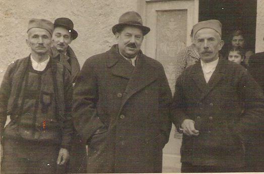 Министар Веселиновић са својим земљацима