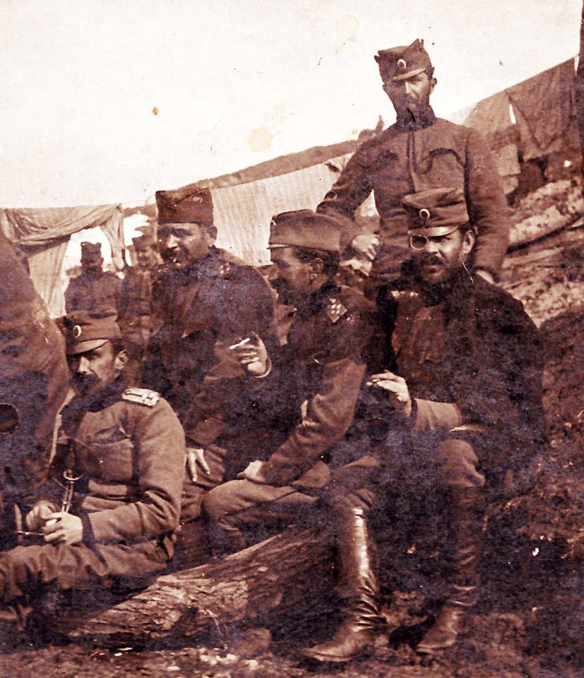 Српски официри на крају 1913. године у Једрену