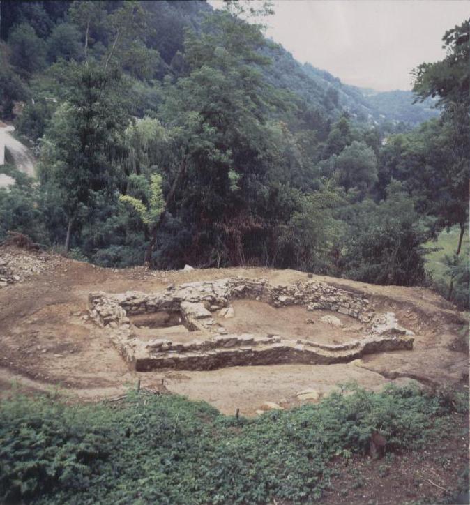 Темељ пронађене старе цркве у Босути