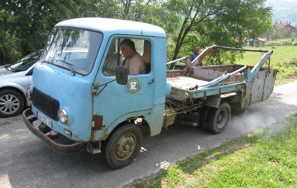 """Историјски камион за смеће КП """"Шумадије"""""""